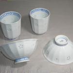 茶碗・湯呑 (唐草ぶどう・有田焼・手書き)