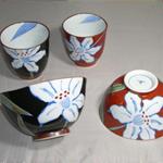 茶碗・湯呑 (色絵ぶどう・有田焼・手書き)