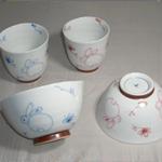 茶碗・湯呑 (百合香・有田焼・手書き)