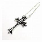 2連ドクロに十字架モチーフ いぶし加工風シルバー スカルモチーフ メンズネックレス necklace SPST016