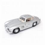 Bburagoブラーゴ 1:18 メルセデスベンツ 300SL 1954 (商品コード:200-597)