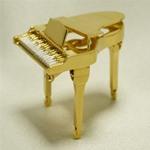 ピアノブローチ